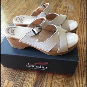 Dansko Sela Nubuck sandal clogs